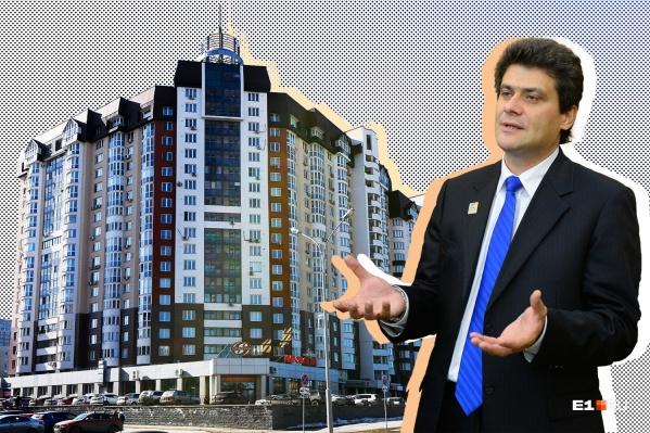 Александр Высокинский живет в доме, в котором очень много квартир