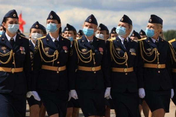 На репетиции парада присутствовали военные без признаков инфекций и простудных заболеваний<br>