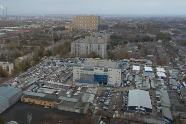 Многие торговцы перебрались с улицы в торговый центр