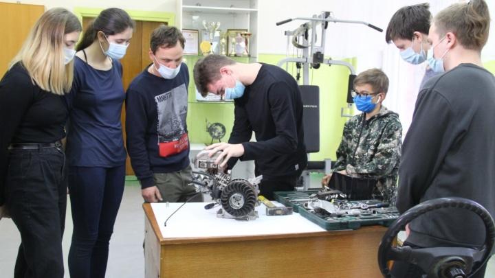 В школах и детских садах Омска найдут лучших учителей, воспитателей и психологов