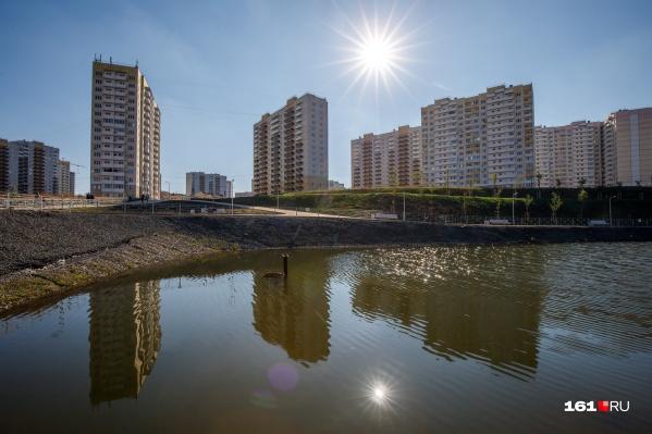 Суворовский начали строить в 2011 году