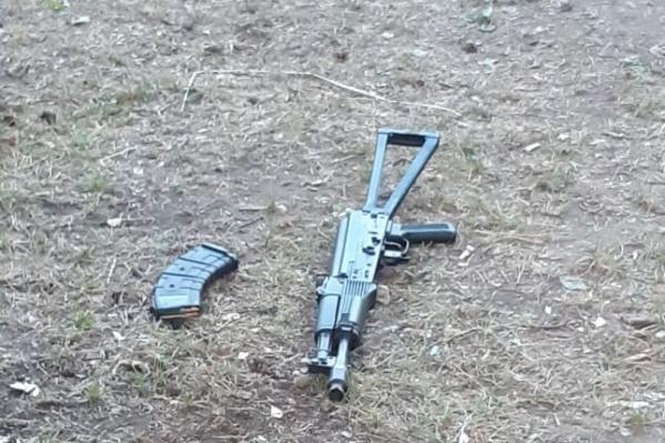 Из этого оружия стрелял мужчина