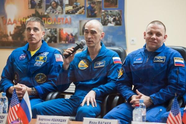 Космонавт Иван Вагнер — крайний справа