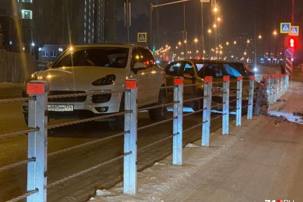 Дорожники уверены, что тросовые ограждения помогают избежать серьезных ДТП с выездом на встречную полосу