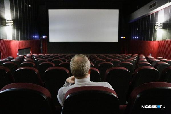 Несмотря на то, что кинотеатры не работали почти полгода, зрители не идут смотреть всё подряд
