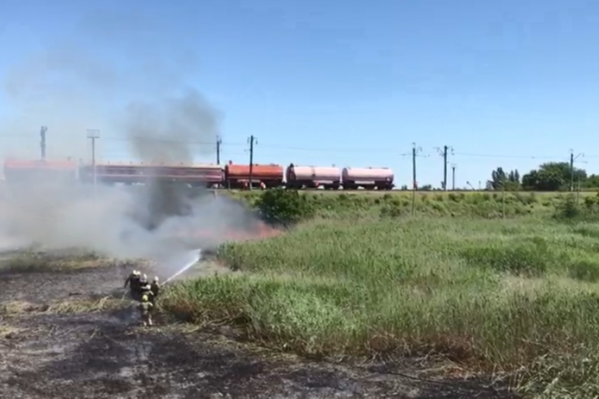 Огонь тушат больше 70 человек