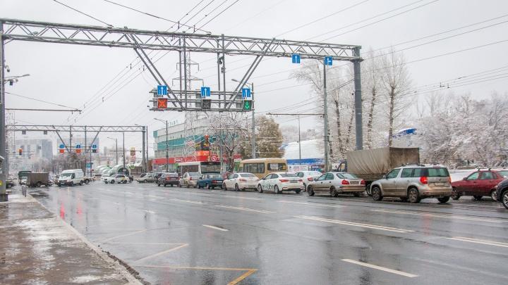 На двух перекрестках Московского шоссе хотят нанести вафельную разметку