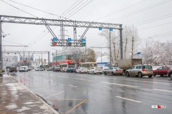 Разметка поможет бороться с заторами на главной городской магистрали