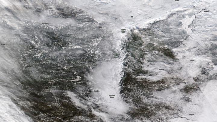 Фотофакт: метеорологи показали, как выглядит заснеженный Урал из космоса