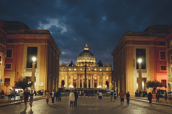 Многие улицы Италии начали заметно пустеть