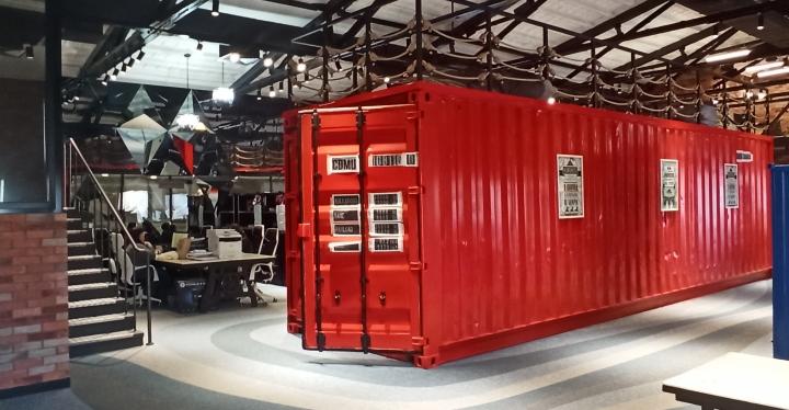Что в красном контейнере: «Бизнес-Гарант» раскрыл самарцам секреты своего офиса