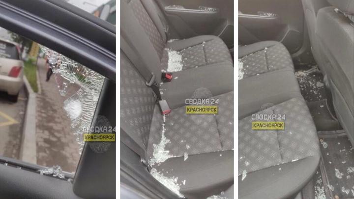 На Красрабе обстреляли машину — это второй случай за лето в одном и том же месте