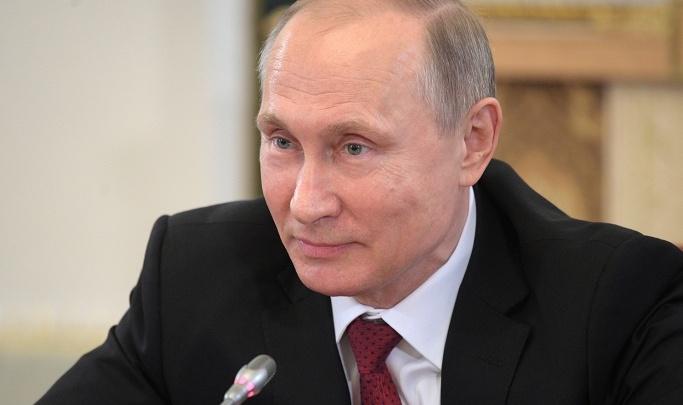 Путин присвоил госнаграды троим жителям Новосибирска