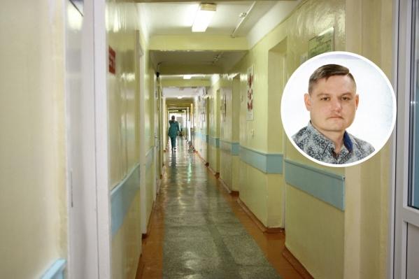 Евгений Чехонадских в 2007 году окончил педиатрический факультет омского медуниверситета, после чего устроился в Нововаршавскую ЦРБ
