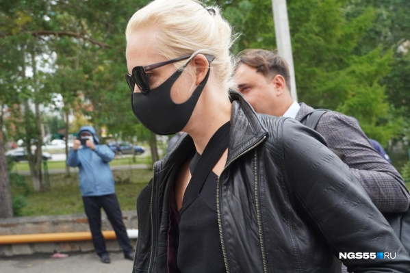Юлия Навальная хотела выяснить, как лечат ее мужа в Омске
