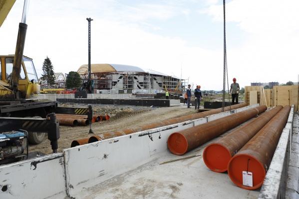 Работники ЖКХ заменят 245 км теплосетей, водоводов и канализации