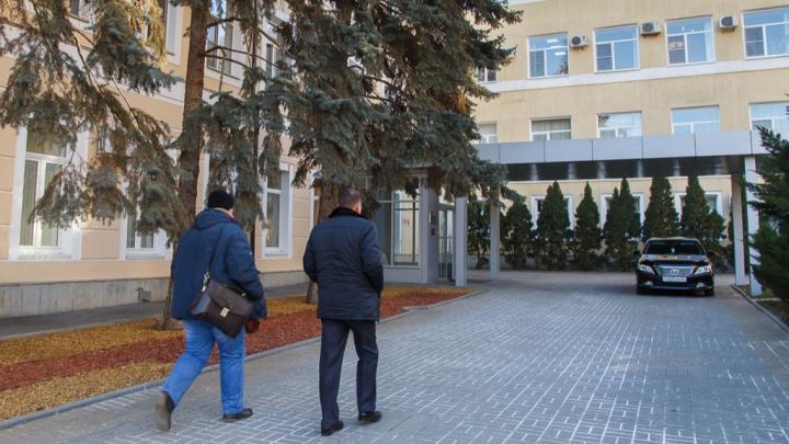 Депутаты решили выбирать главу Волгограда без высшего образования и знания Конституции РФ