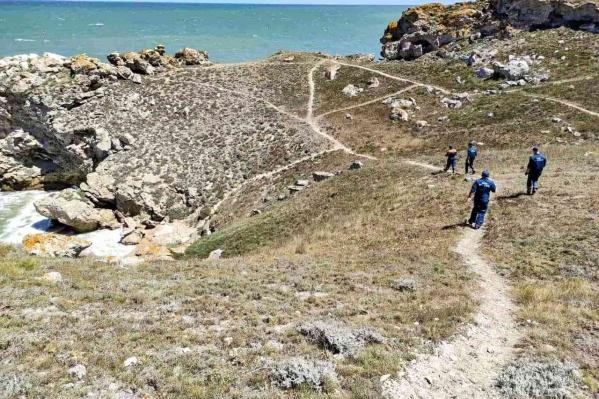 Мужчину искали по берегу пять групп спасателей