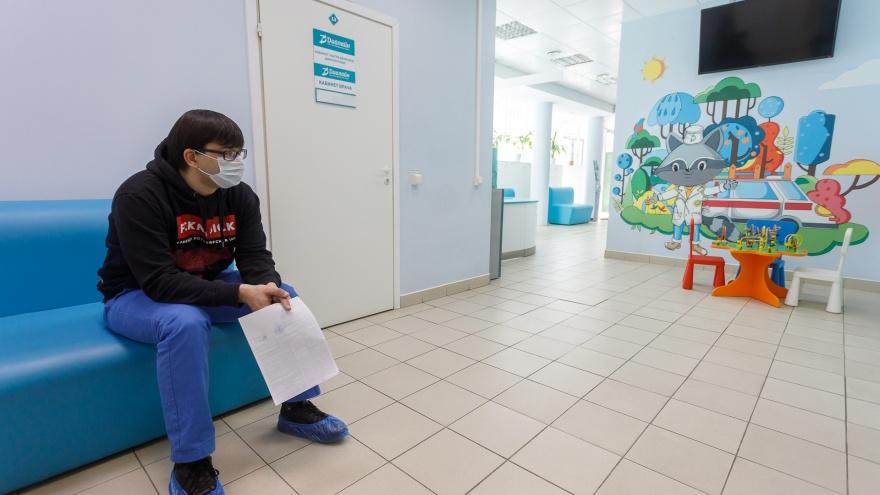 Один умер, 97 заболели: коронавирус не отступает от Волгограда