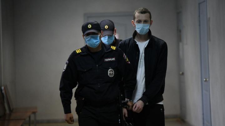 «Я приношу свои самые искренние извинения»: в Екатеринбурге начали судить виновника ДТП на Малышева