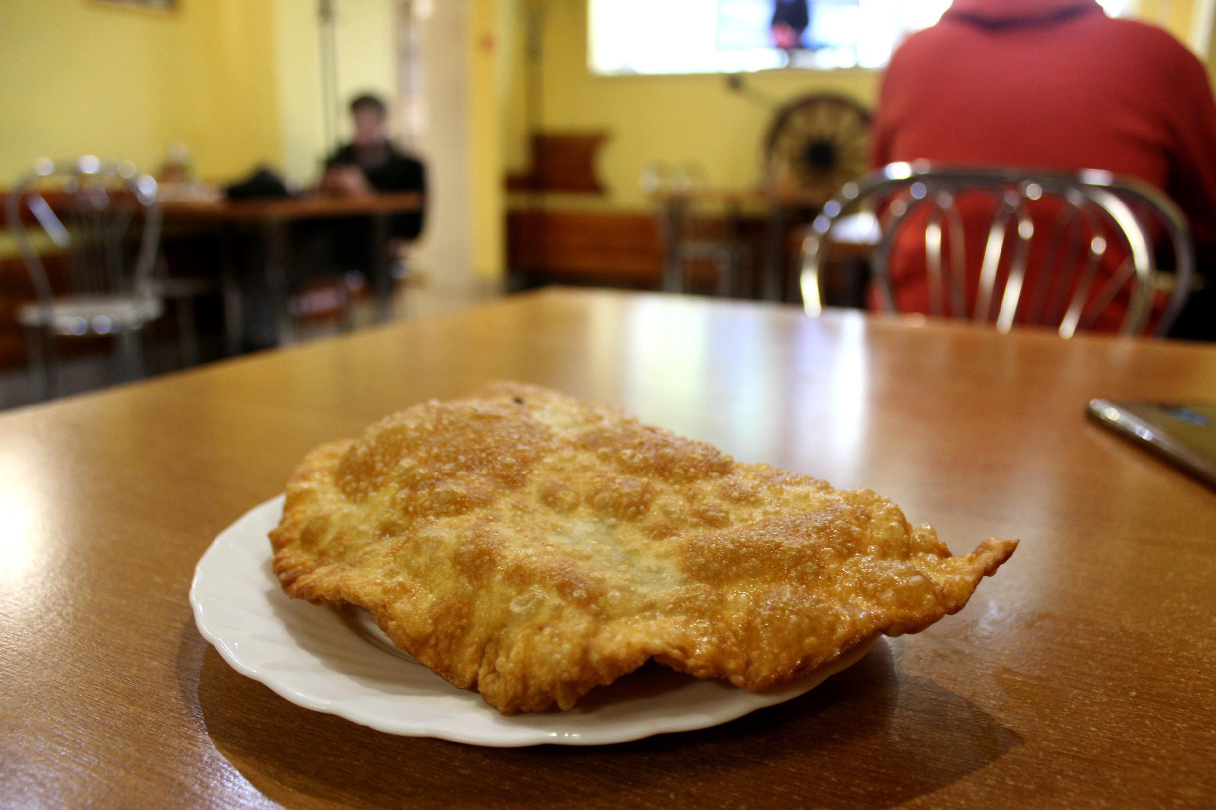 Чебурек из кафе «Ага» за 70 рублей