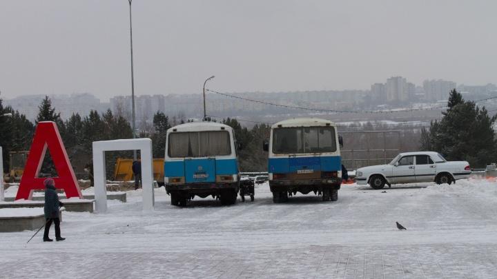 Из Советского парка вывели технику — доделывать его в этом году не будут