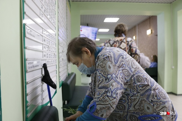 Глава Минздрава Поморья попросил северян помочь снизить нагрузку на систему здравоохранения и при определенных условиях не вызывать докторов домой