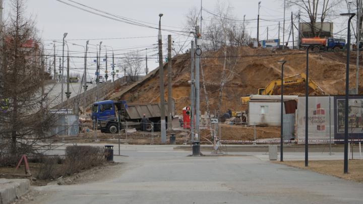 После обвала грунта при строительстве МФЦ «Эспланада» заменят трамвайные пути