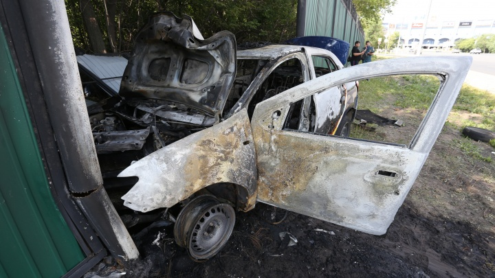 В ГИБДД рассказали подробности ДТП с загоревшимся такси у «Родника»
