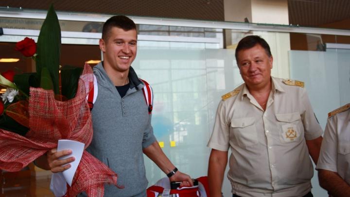 В Екатеринбург вернулся бронзовый призер Олимпиады Никита Лобинцев
