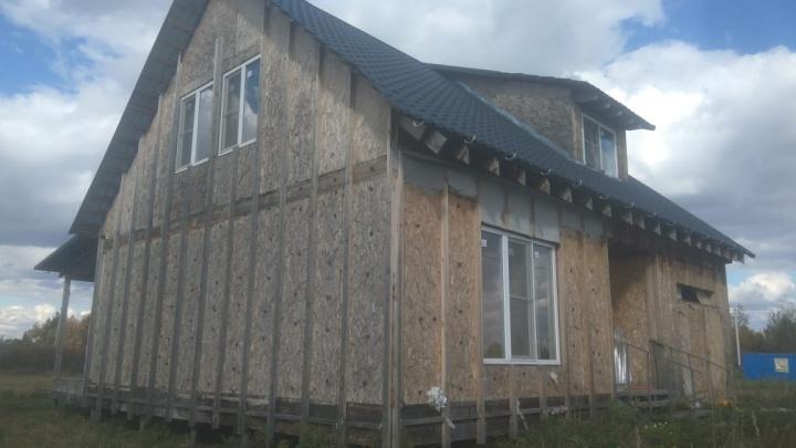 Под Новосибирском владельцы коттеджа взыскали с застройщика 2,3 миллиона рублей