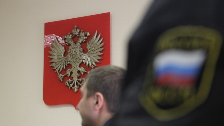 Сотрудника месторождения в НАО приговорили к 9,5 годам колонии за откаты в 5 млн рублей