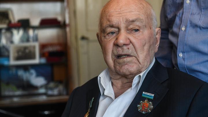 Автора легендарной «Уральской рябинушки» похоронят на Широкореченском кладбище