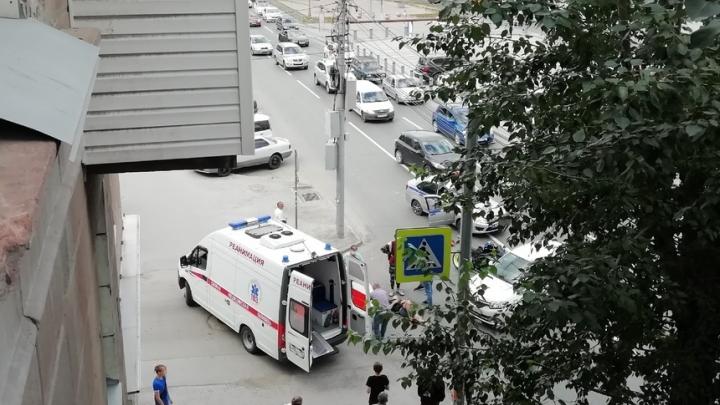 В Заельцовском районе сбили мотоциклиста — пострадавшего увезли в больницу
