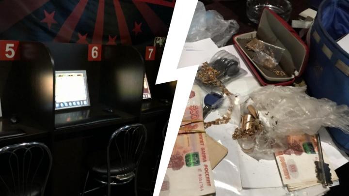 В одно из новосибирских казино ворвался ОМОН — этот момент попал на видео