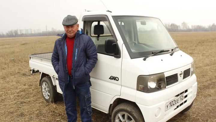 Андрей и его отчаянный кей-кар: разглядываем японский мини-грузовик (в России такие встречаются редко)
