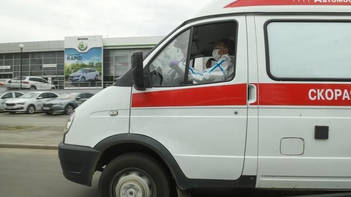 Водители скорой, работающие в Екатеринбурге на аутсорсинге, не смогли добиться федеральных «ковидных» доплат