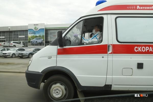 В Сысертскую больницу госпитализируют жителей Екатеринбурга, которые болеют коронавирусом