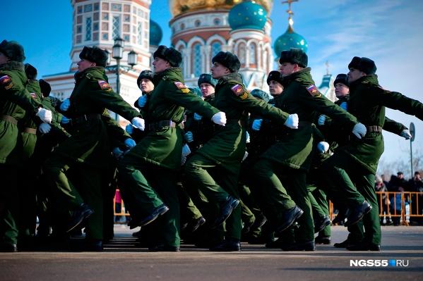 Парад традиционно проходит на Соборной площади