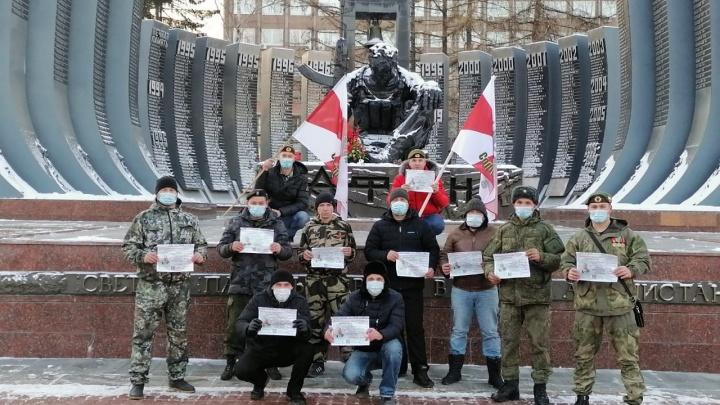 В Екатеринбурге ветераны спецподразделений собирают деньги для малыша со СМА