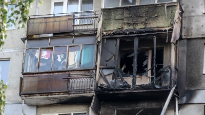 Обгоревший бетон и все спецслужбы города: 10 фото с места взрыва в жилом доме на Автозаводе