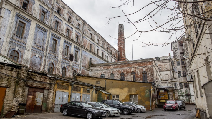 «Жалко здание-то»: олигарх Евгений Мухин построит на территории бывшего мукомольного завода жильё