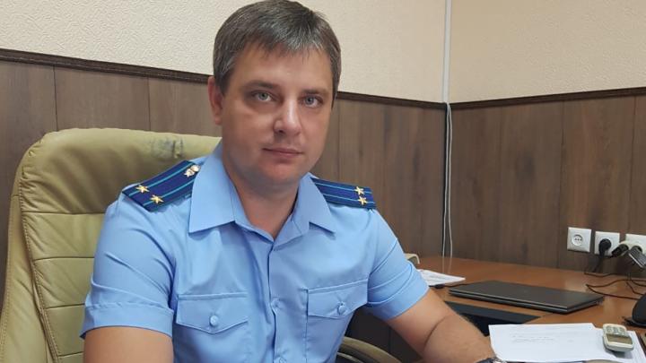 На Дону задержали районного прокурора. Он требовал деньги от директора местной газеты