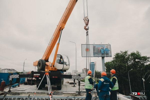Большой ремонт на мосту по улице Пермякова делали в 2017 году, тогда у автомобилистов тоже были большие проблемы