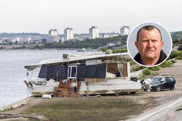 По версии следствия, Сергей Петров закрыл глаза на нарушения