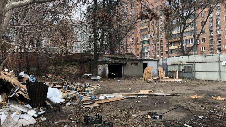 Администрация снесла нелегальный рынок в центре Ростова