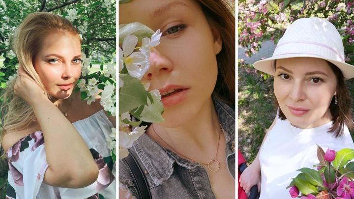 Яблоня искушения. Челябинские девушки штурмуют цветущие деревья ради красивых снимков