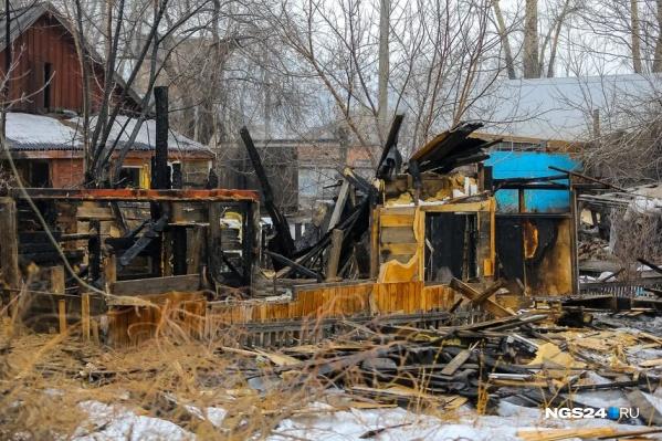Тело неизвестного было обнаружено после тушения пожара