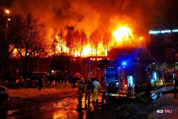 Общая площадь возгорания составила 1200 квадратных метров