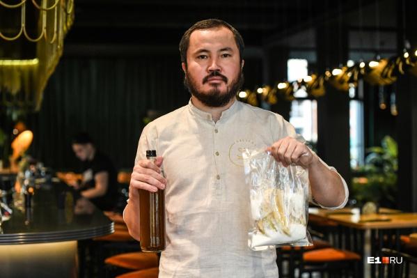 Назар Козубеков придумал, как превратить излишки продуктов в коктейли<br>